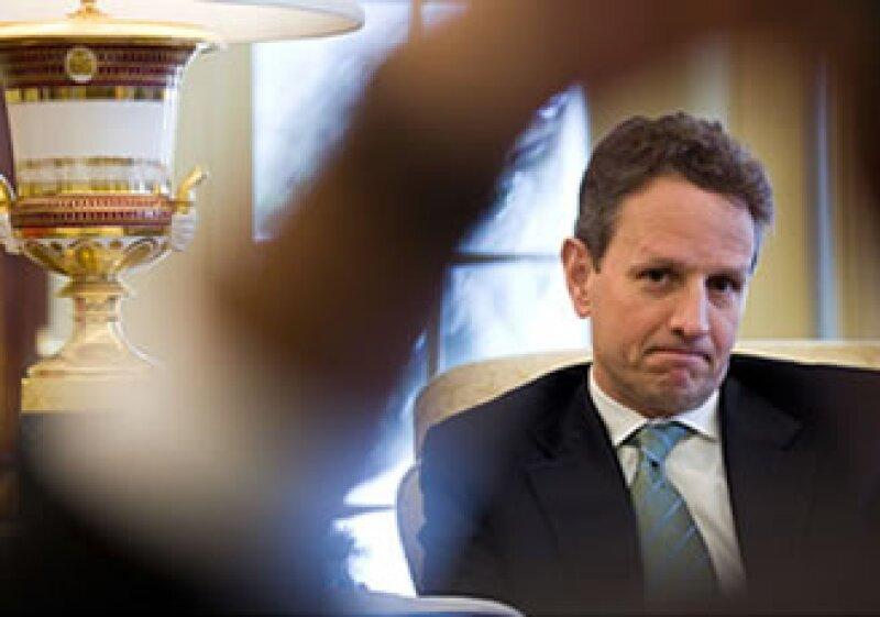 El secretario del Tesoro, Timothy Geithner, señala que los esfuerzos del Gobierno son por recuperar los dólares de los contribuyentes a medida que el TARP llega a su fin. (Foto: Cortesía CNNMoney.com)
