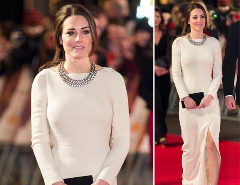 Aunque aún no es reina de Inglaterra, la esposa del príncipe Guillermo se ha convertido en la reina de la ropa affordable. Aquí algunos looks que causaron sensación durante el año.
