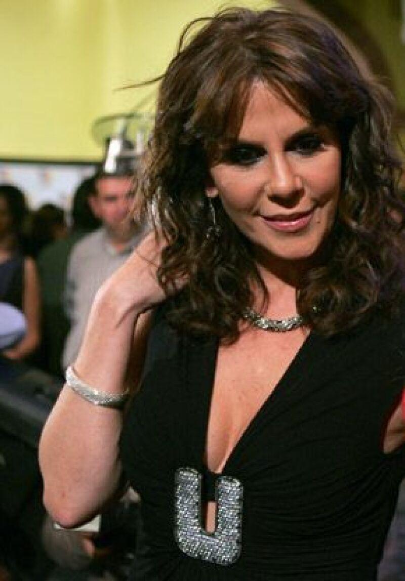 La actriz se dijo dispuesta a escuchar ofertas de la empresa de Emilio Azcárraga, pero no quiso hablar sobre los rumores que existen sobre su regreso como villana.