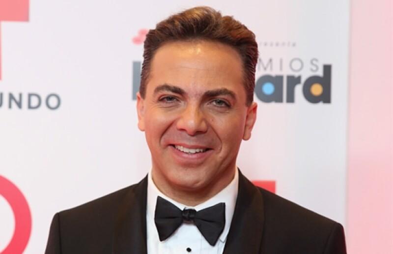 El cantante platicó con el programa de Pati Chapoy, Ventaneando, y les contó que fue Angélica Rivera quien le mandó una invitación expresa.