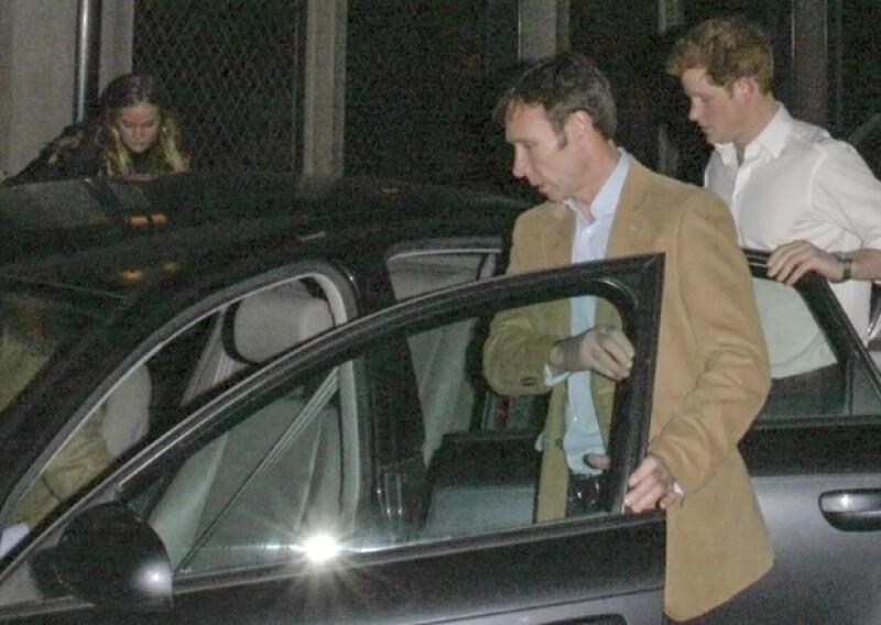 Cressida Bonas y Enrique salieron a cenar el lunes por la noche a un restaurante londinense.