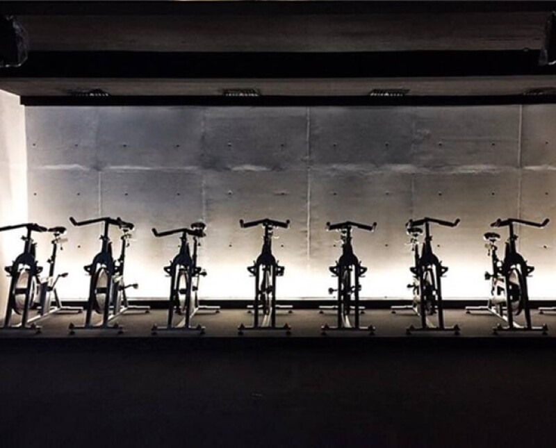 Los Beckham, Alessandra Ambrosio,Nicole Kidman y Giselle Bündchen son fans de SoulCycle, una revolucionada clase de spinning que ha llegado al mundo del fitness para quedarse.