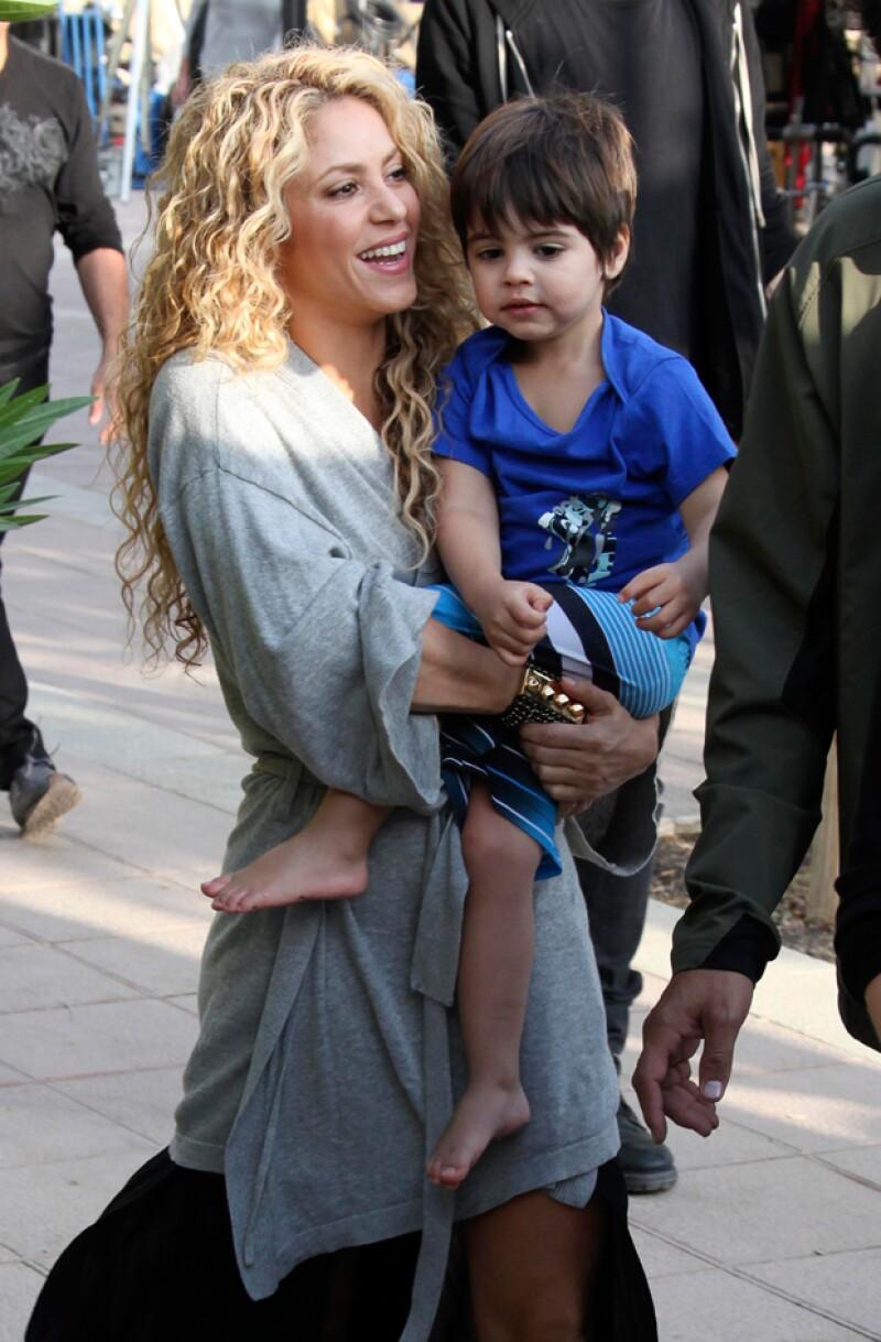 Durante la grabación Shakira estuvo acompañada por su hijo Milan.