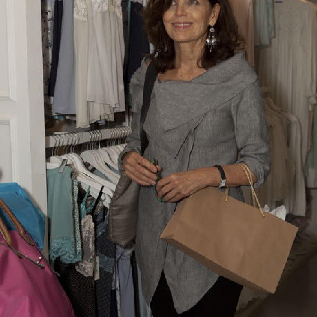 Loreto Peralta asiste a la inauguración de Espacio Athos