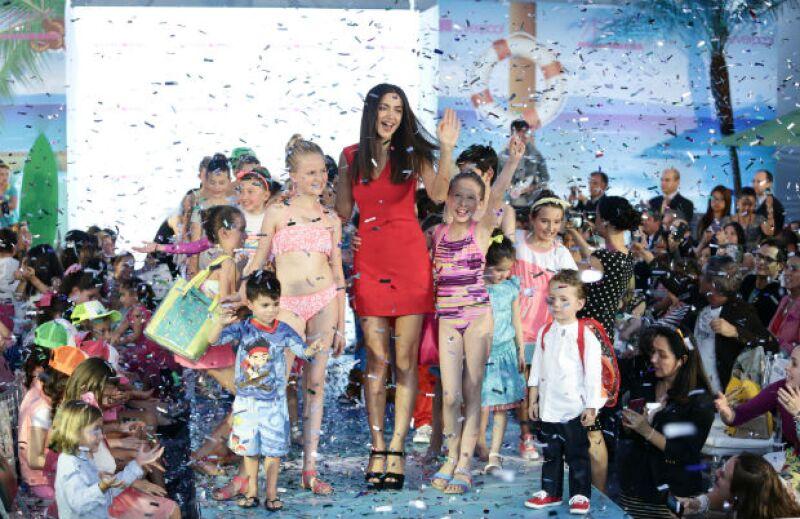 Irina Shayk cerró el desfile protagonizado por hijos de famosos.