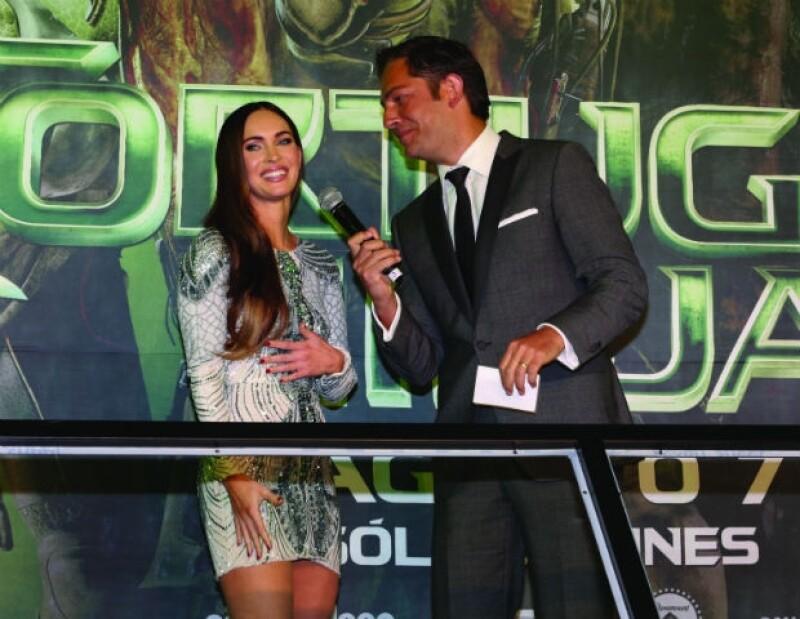 """La actriz arribó la noche del martes a la capital del país para la premier de su más reciente película """"Tortugas Ninja""""."""