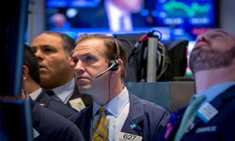 El Dow Jones avanzaba 0.93% este lunes. (Foto: Reuters )