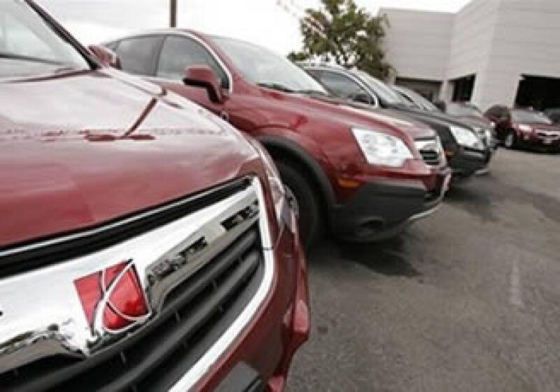 La marca Saturn de GM cerró su venta con el empresario Roger Penske. (Foto: AP)