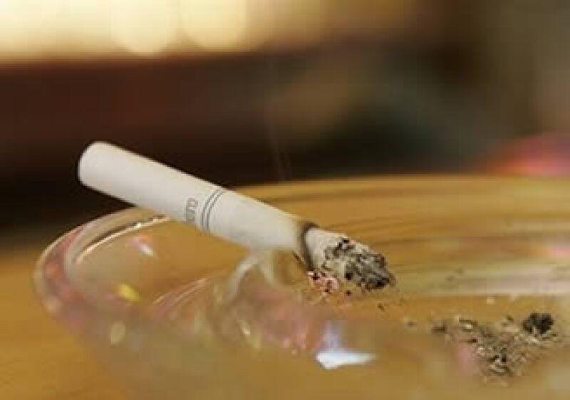 Arabia Saudita busca hacer frente al incremento de fumadores en el país, ya que alrededor de 25% de los 27.6 millones de habitantes fuman. (Foto: AP)