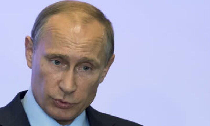El presidente ruso Vladimir Putin respondió a las sanciones de Europa y EU con prohibiciones de importaciones de alimentos. (Foto: Reuters)