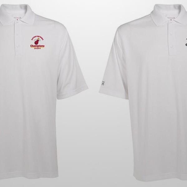 Si quieres apoyar a tu equipo pero mantener un estilo clásico, tu opción son estas playeras estilo polo. Cuestan 39.99 dólares más gastos de envío.