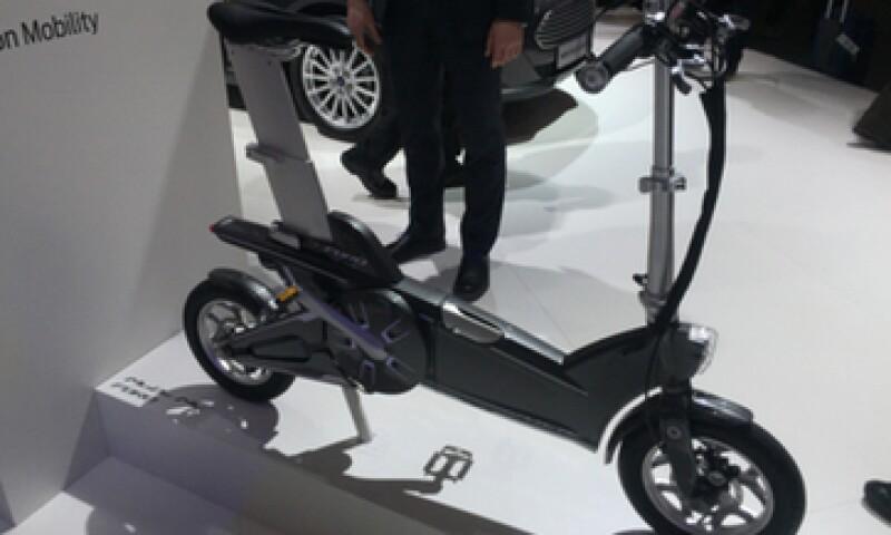 La automotriz presentó dos bicicletas eléctricas con sensores de proximidad y conectividad a smartphone (Foto: Francisco Rubio)