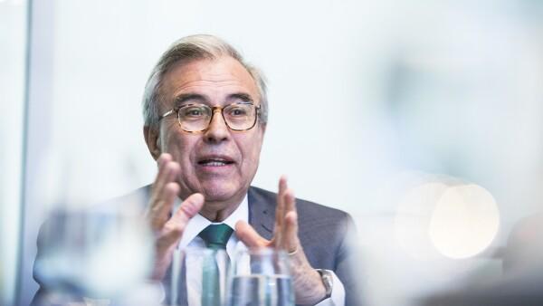 Rubén Rocha Moya, presidente de la Comisión de Educación en el Senado