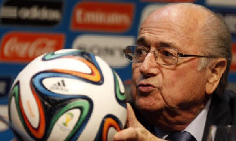 Joseph Blatter tendrá oportunidad de apuntalar su reelección al frente de la FIFA. (Foto: Reuters)