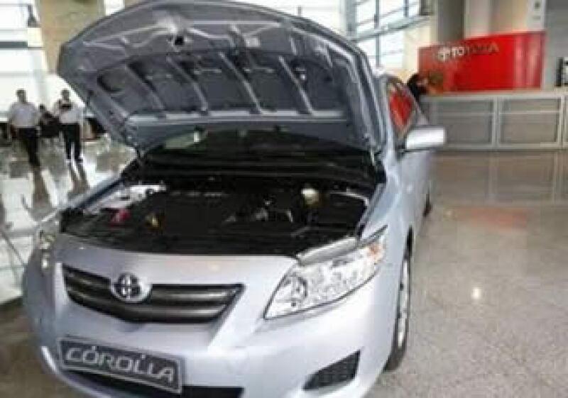 A partir del 8 de febrero, Toyota México informará a sus clientes cuándo podrán presentarse ante el distribuidor para que sea corregida la falla en los autos. (Foto: Reuters)