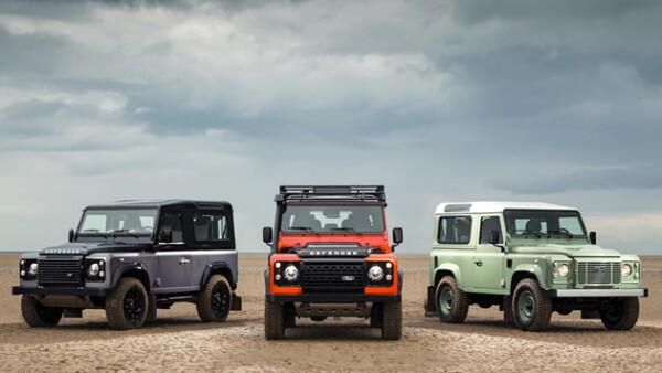 No es sorpresa que Land Rover nos presente un vehículo todo terreno y con un gran diseño. Por eso la presentación de los tres nuevos modelos de la marca (Defender Heritage, Defender Adventure y Def...