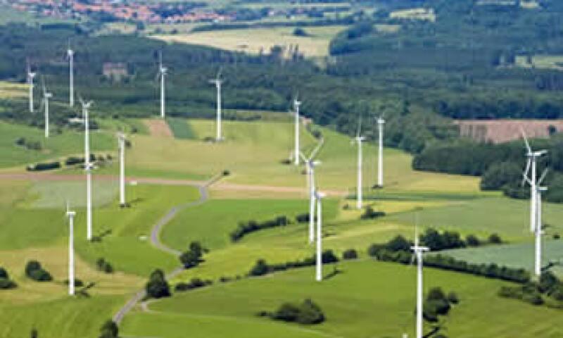 El plan del gobernador Jerry Brown de California busca generar hasta 20,000 megavatios de energía limpia, una cantidad sin precedentes en el mundo. (Foto: Photos to go)
