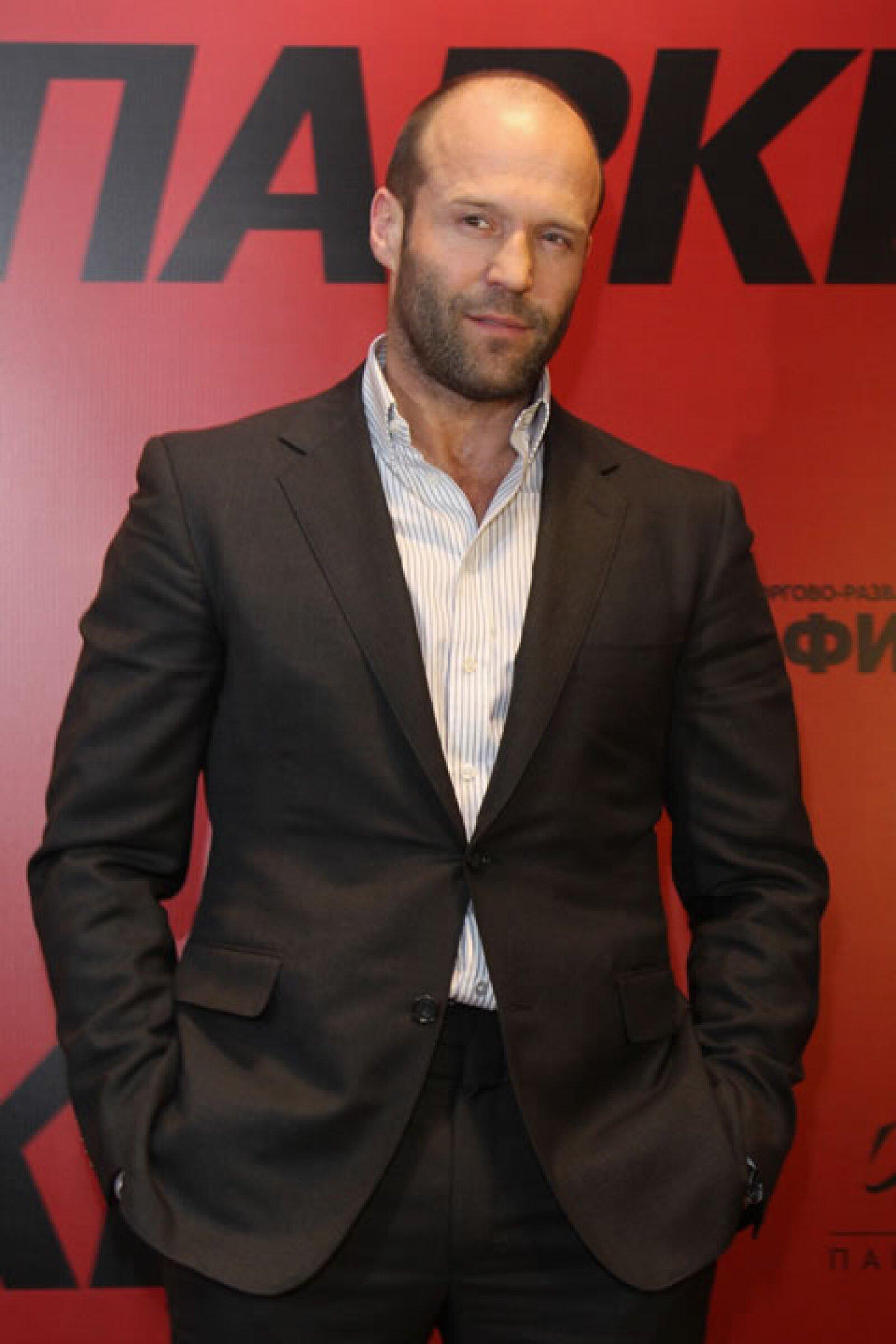 Héroe de acción, novio de Rosie Huntington-Whiteley, él es Jason Statham quien a sus 45 años sigue siendo el sueño de muchos.