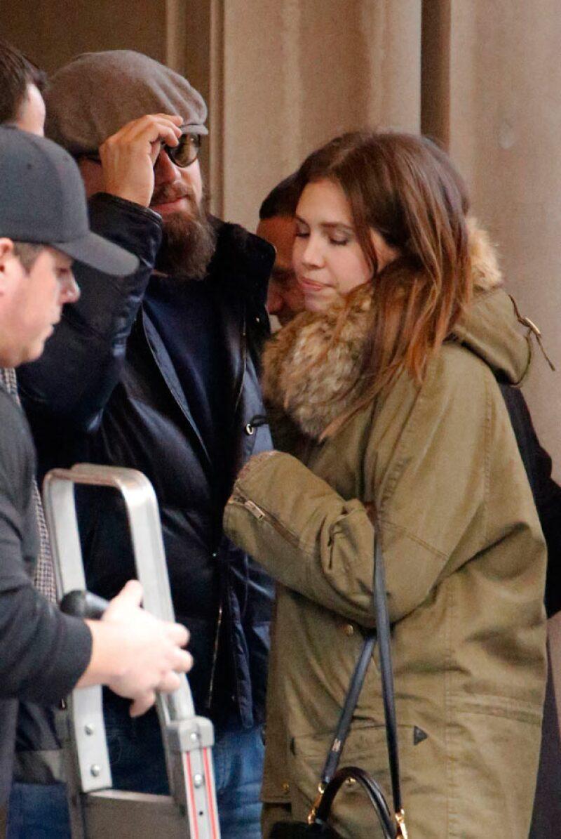 El actor acaba de terminar una relación con la modelo Toni Garrn, pero ayer fue visto afuera de un hotel en Nueva York con una desconocida.