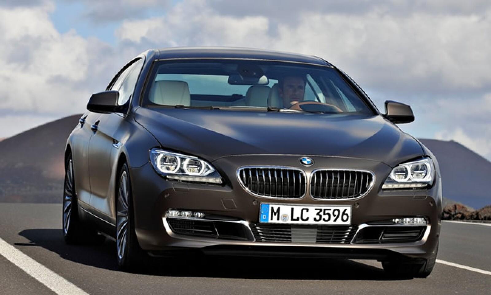 Las líneas clásicas de los modelos BMW son evidentes, pero con un diseño especialmente bajo y deportivo.