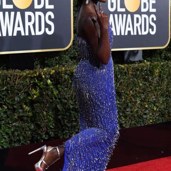 Lupita Nyong'o en Calvin Klein y zapatos Aldo