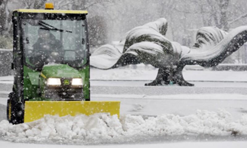 En Nueva York se esperan hasta 35 centímetros de nieve entre la noche de este viernes y la madrugada del sábado. (Foto: AP)