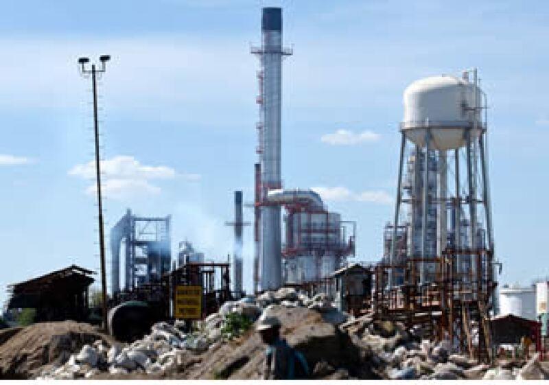 En octubre, la paraestatal produjo 2.602 millones de barriles por día.  (Foto: AP)