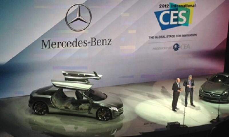 Dieter Zetsche, director general de Mercedes-Benz asegura que la actividad es un elemento que debe estar presente en sus vehículos. (Foto: Francisco Rubio)