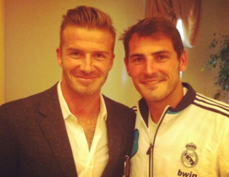 Después de jugar un partido amistoso entre el Real Madrid y el Galaxy, el reconocido portero publicó una imagen a través de Facebook donde aparece sonriente con el mediocampista británico.