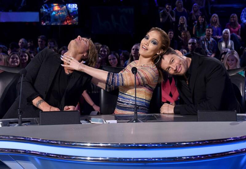 Durante el performance de una de las concursantes, la cantante no pudo evitar conmoverse hasta las lágrimas y ofrecer su crítica con voz entrecortada.