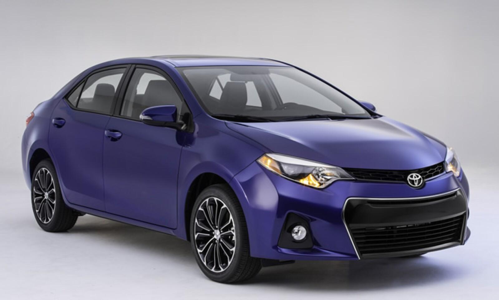 Toyota reveló la última generación de su modelo Corolla. La nueva versión espera atraer a conductores más jóvenes.