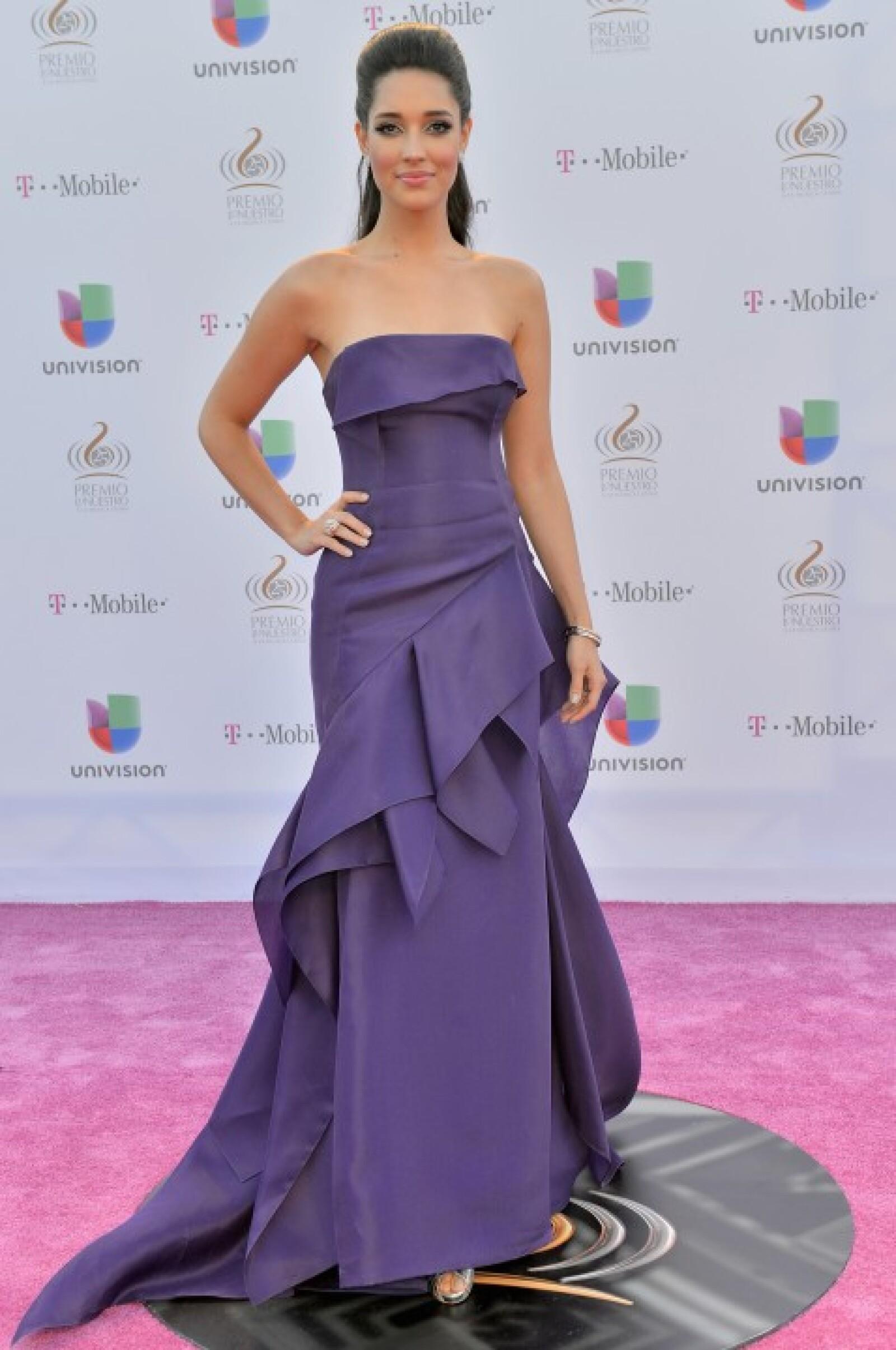 Amalia Vega.
