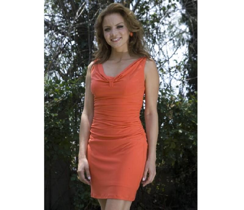 Silvia Navarro tiene una figura muy estilizada y elengante.