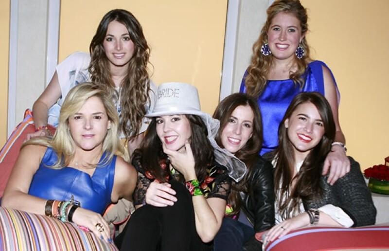 María Rojo de la Vega, Martinique Acha, Beatriz Sámano, Giovanna Acha, Mariana García Ramos y Deborah Wapinski