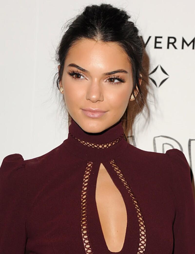 La guapísima modelo compartió su peor error de belleza en su blog