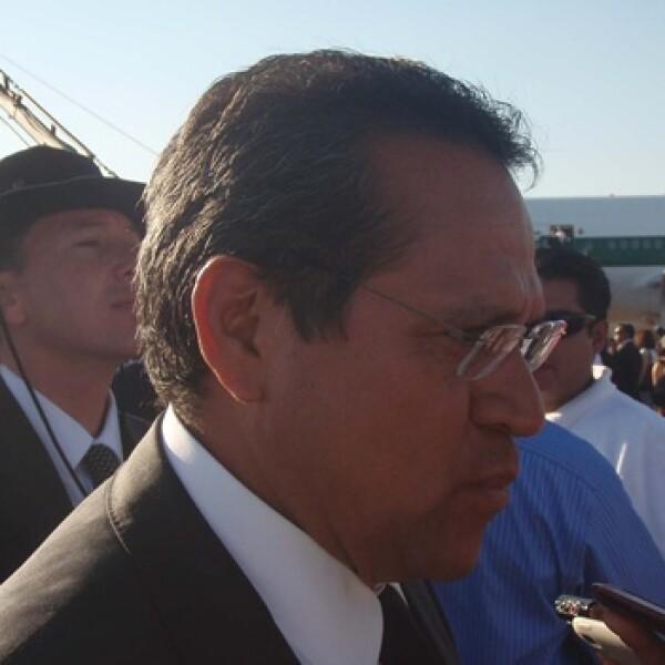 el gobernador de guanajuato en la bienvenida al papa