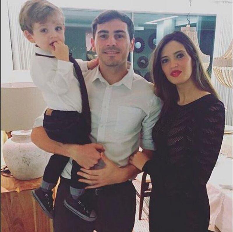 Sara e Iker han formado una hermosa familia, aquí los vemos con Martín, su hijo mayor.