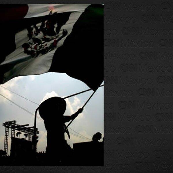 aficinado con bandera