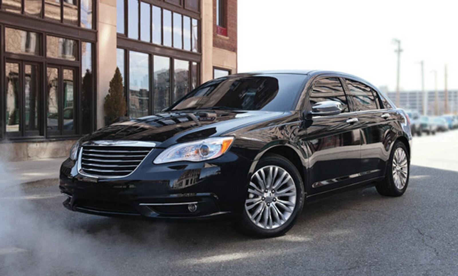 De este vehículo de lujo se comercializaron 1,304 unidades, 23.2% menos.