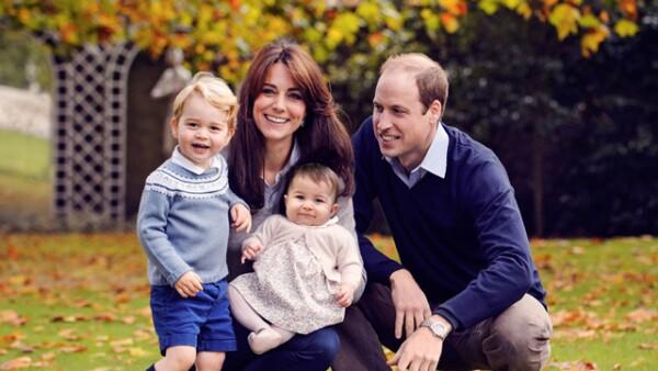 Kate y William con sus hijos George y Charlotte.