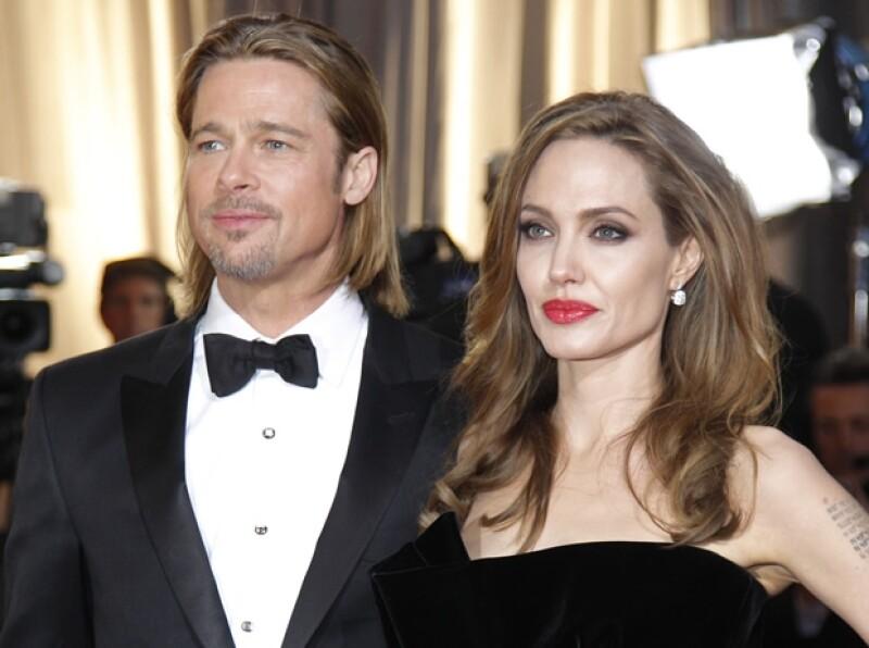 Después de siete años de relación, Brad Pitt le propuso matrimonio con una sortija de más de un millón de dólares mandada a hacer especialmente para ella.