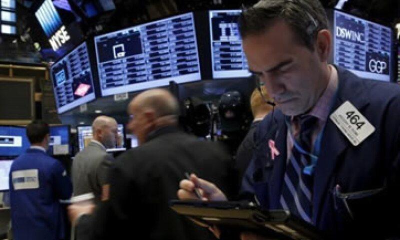 El Dow Jones trepaba 0.71% en la Bolsa de Nueva York. (Foto: Reuters)