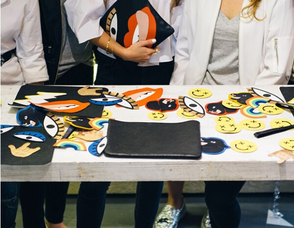 """Con stickers divertidos, se crearon distintos modelos de la colección """"Pantera Comics""""."""