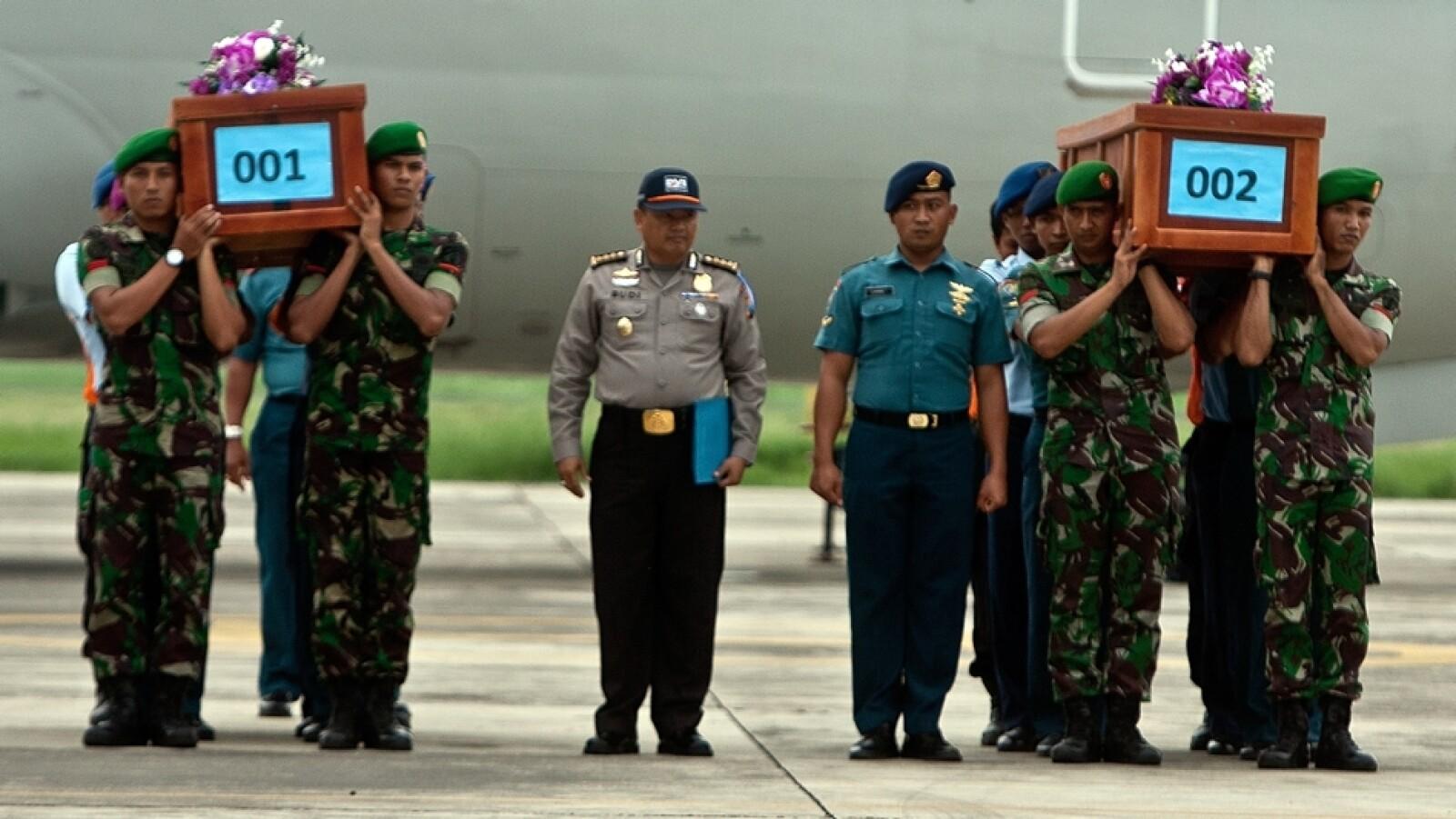 rescate cuerpos QZ8501 1