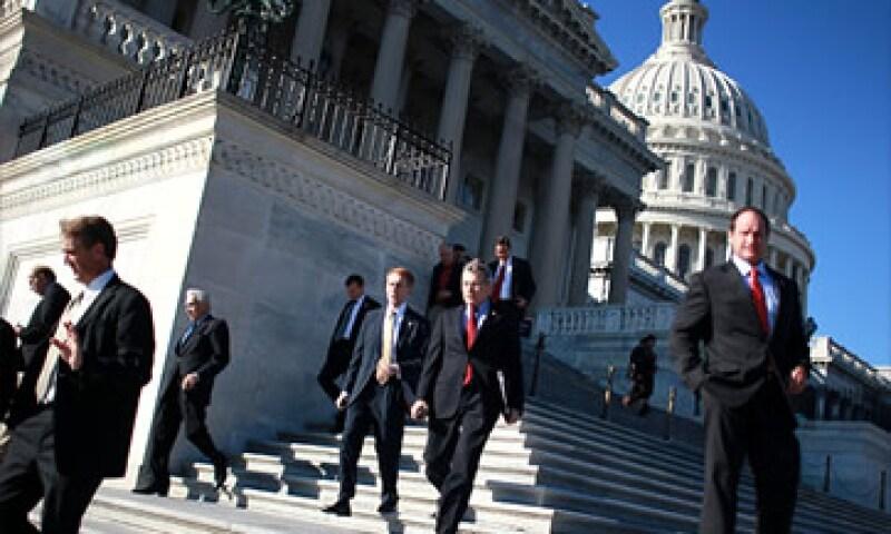 Expertos dudan que los legisladores logren concretar una reforma del código fiscal antes del 2013. (Foto: Cortesía CNNMoney)