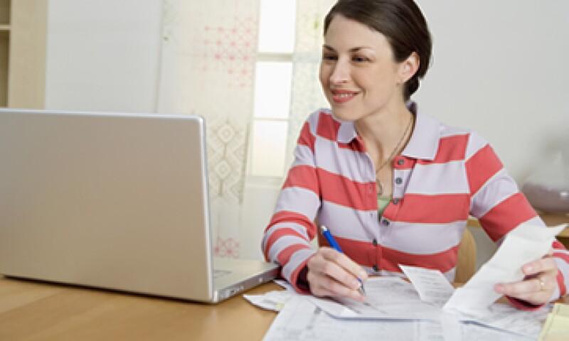 También puedes deducir impuestos de los gastos que se generen a través de tu actividad profesional como devoluciones, gastos netos o compras de materias primas. (Foto: ThinkStock)