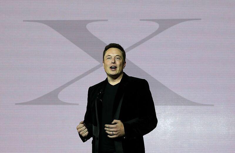 Elon Musk, creador de los autos Tesla y SpaceX, ahora quiere llevar la tecnología al hogar.