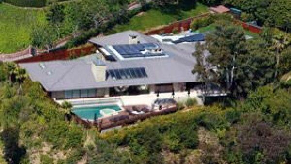 La actriz estadunidense mandó a remodelar su mansión de tal forma que no contamine, por ello pagó 15 millones de dólares.