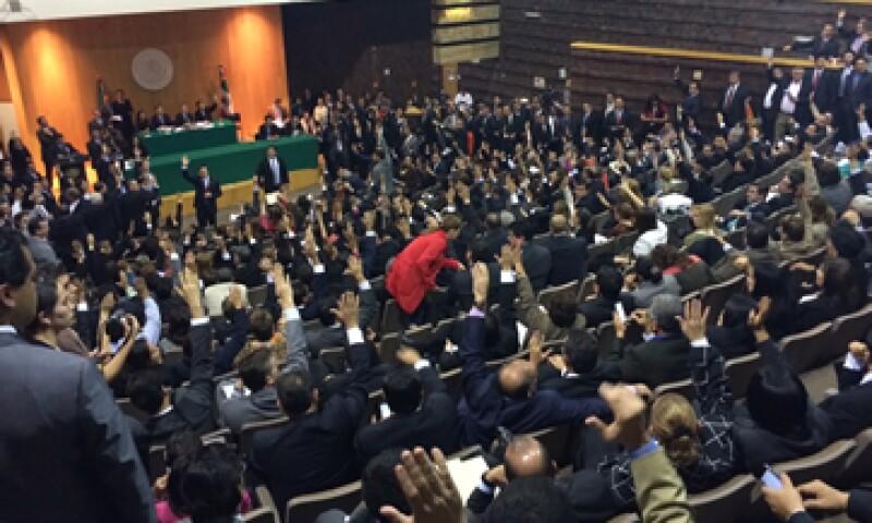 Los diputados aprobaron iniciar la discusión del dictamen directamente en el pleno. (Foto: Imelda García)