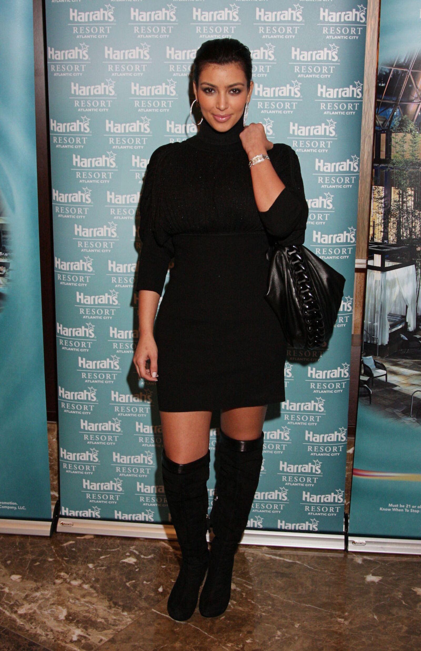 Kim Kardashian Appears At The Pool  At Harrah's In Atlantic City, NJ